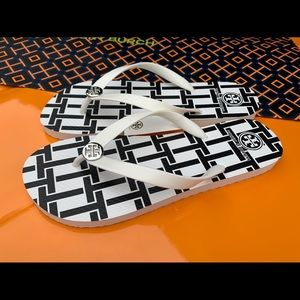 Tory Burch NWT PVC Flip Flop Sandals WHTE T-BASKET